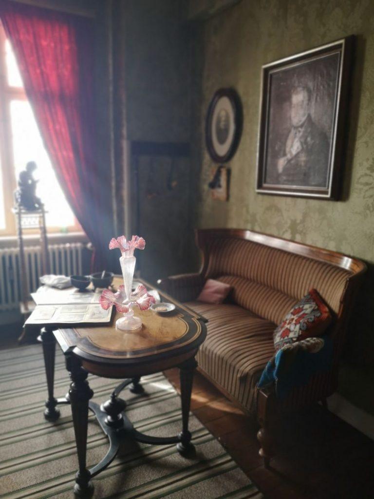 Cornelius' stue med flot lysindfald